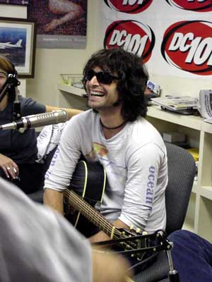 pete yorn loves OP and i find it bizzare how Zut is getting in to Pete...more just synergistic or something hippie like that